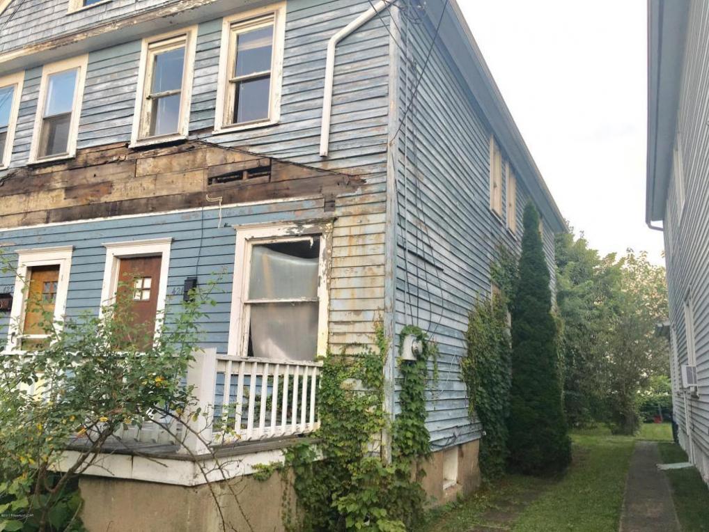 421-423 Elm St., Kingston, PA 18704