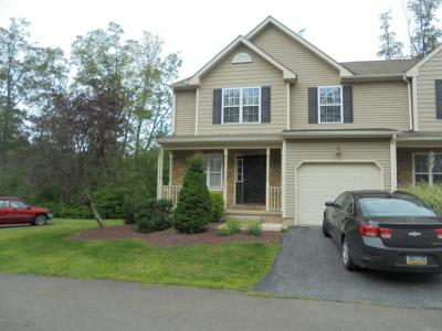 Photo of 11 Sand Hollow Dr, Drums, PA 18222