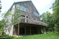 71 Turnberry Ln, Hazle Twp, PA 18202