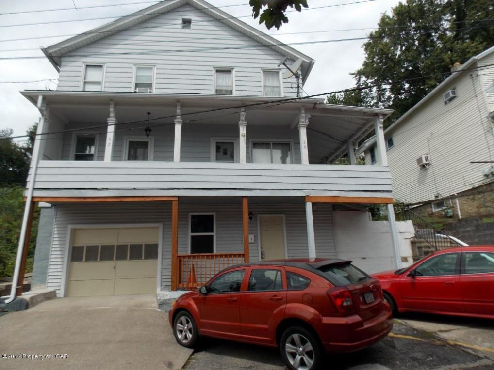 15 W Hillside Ave, Plymouth, PA 18651