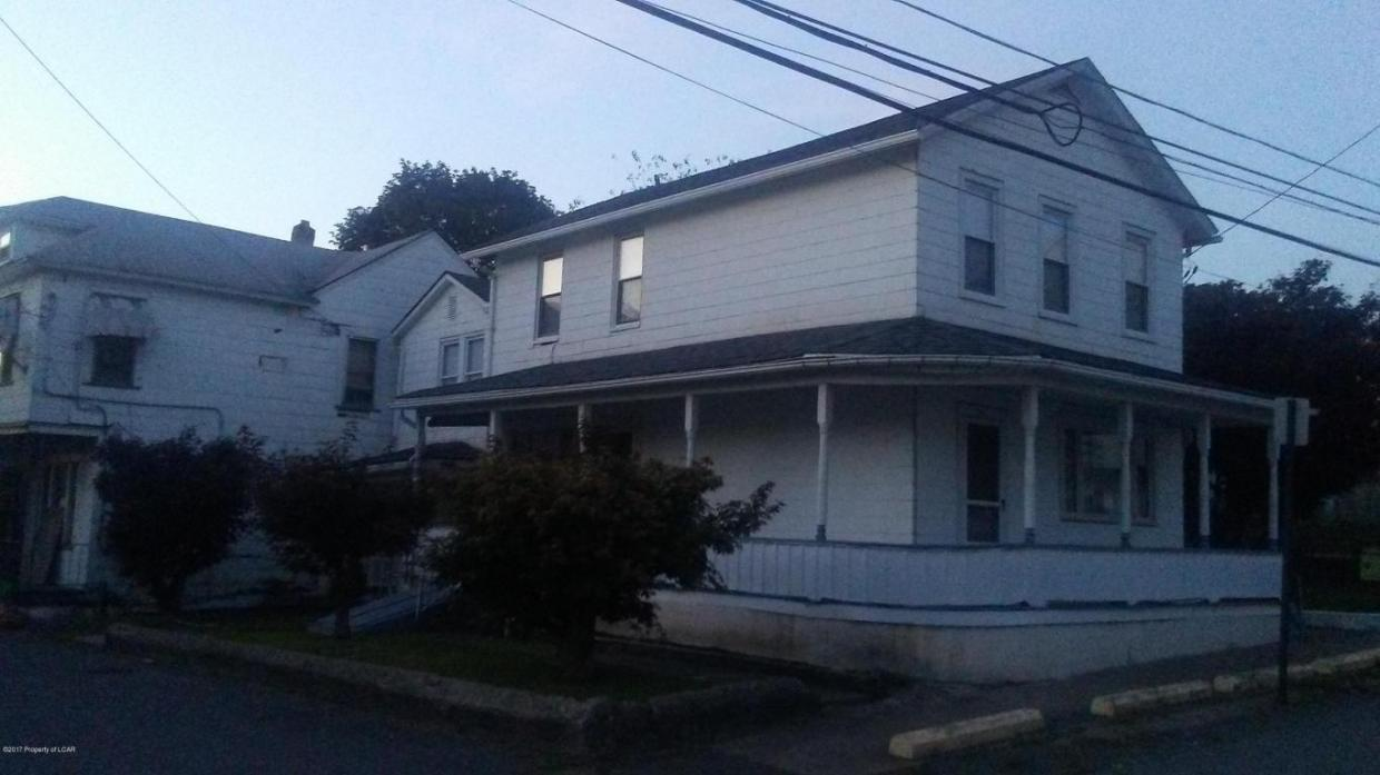 31 La Grange St, Pittston, PA 18640