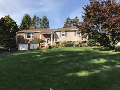 Photo of 2 Forest Dr, Dallas, PA 18612