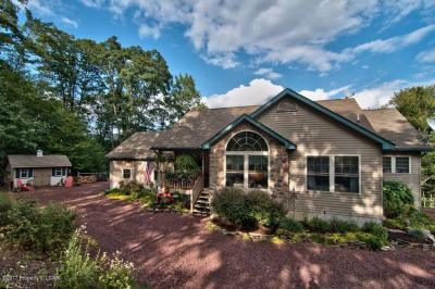 Photo of 8182 Promontory Dr, White Haven, PA 18661