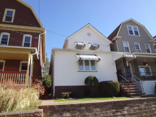 33 Lee Park Ave, Wilkes Barre, PA 18706