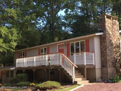 Photo of 504 Lakeview Rd, White Haven, PA 18661