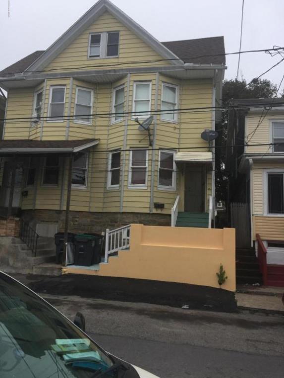 553 W Maple St, Hazleton, PA 18201