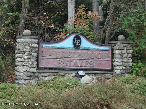 92 E Sandspring Rd, Bear Creek, PA 18602