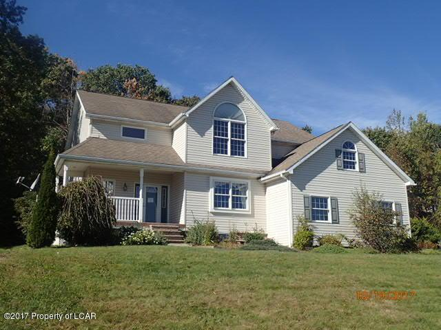 118 Ridgeview Dr, Scranton, PA 18504