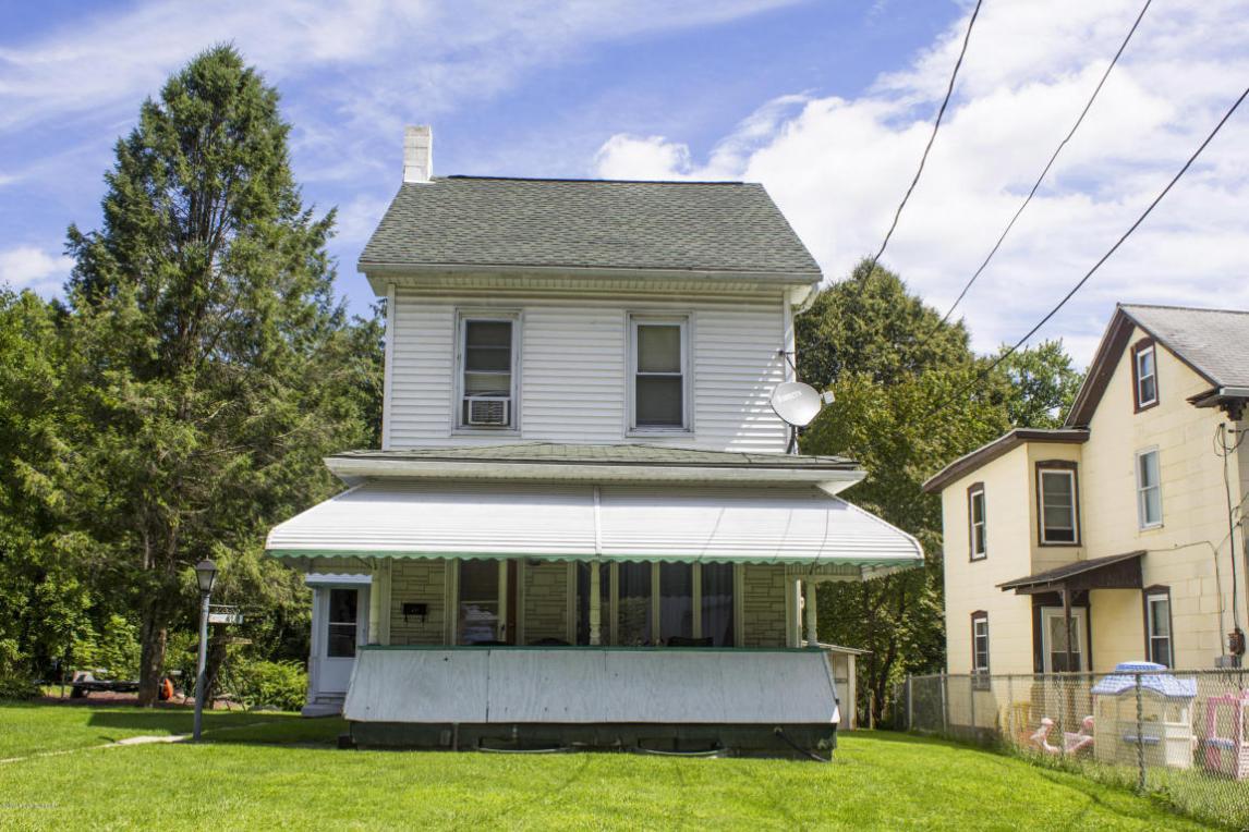 319 Yeakle St, Weatherly, PA 18255