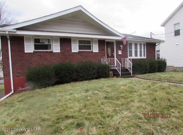 1161 Main St, Jenkins Township, PA 18640