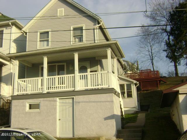 330 Spring St, Hanover Township, PA 18706