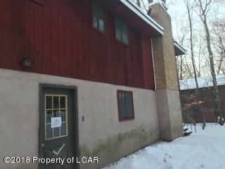 1106 N Lehigh River Drive, Gouldsboro, PA 18424