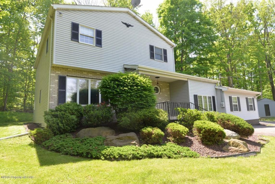 530 Mountain Blvd, Mountain Top, PA 18707