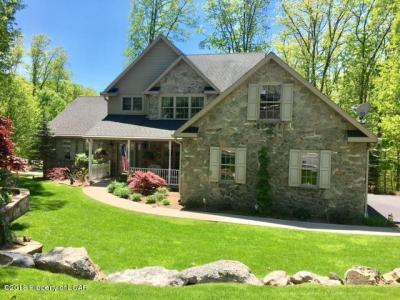 Photo of 49 Kickapoo Dr, Hazle Twp, PA 18202