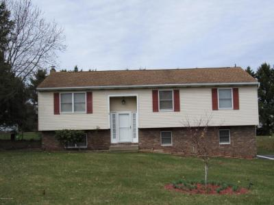 Photo of 113 Side Hill Ct, Sugarloaf, PA 18249