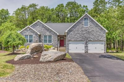 Photo of 48 Turnberry Lane, Hazle Twp, PA 18202
