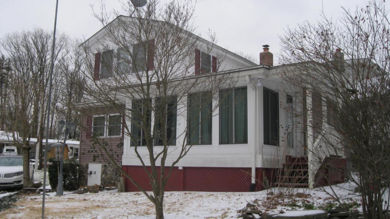 18 Circle Ave, Wapwallopen, PA 18660