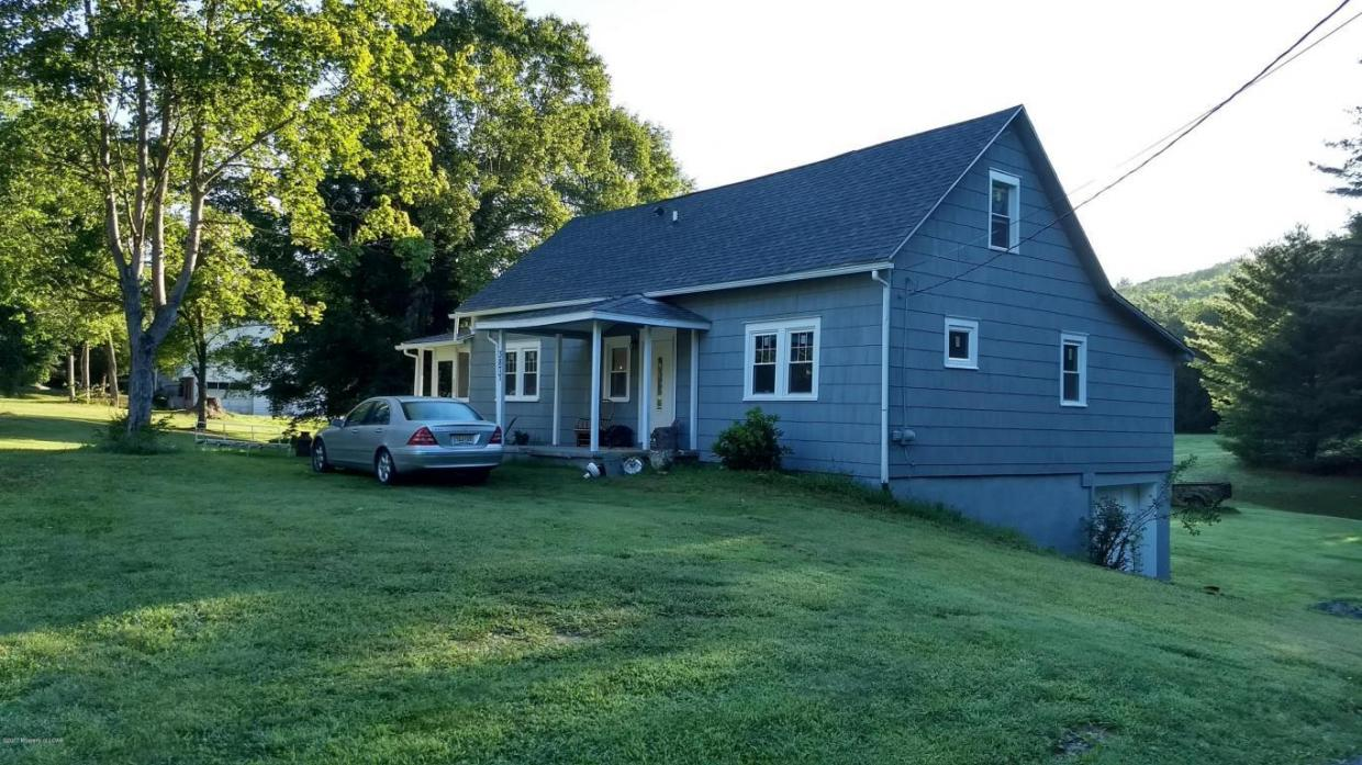 3877 Chase Rd, Shavertown, PA 18708