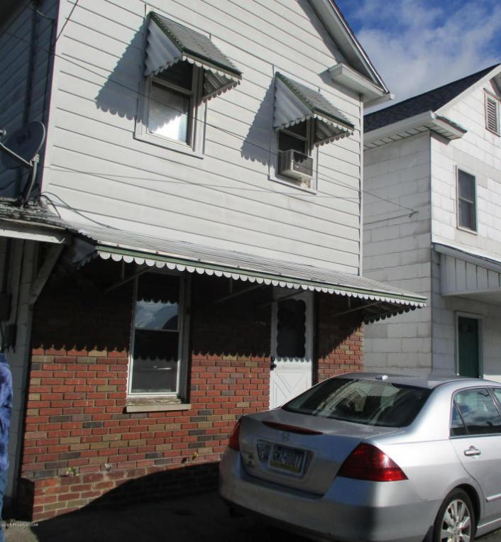 R 1073 Wyoming Ave, Exeter, PA 18643