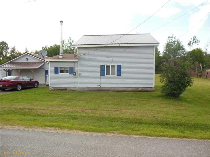 9 North Street, Enfield, Maine 04493