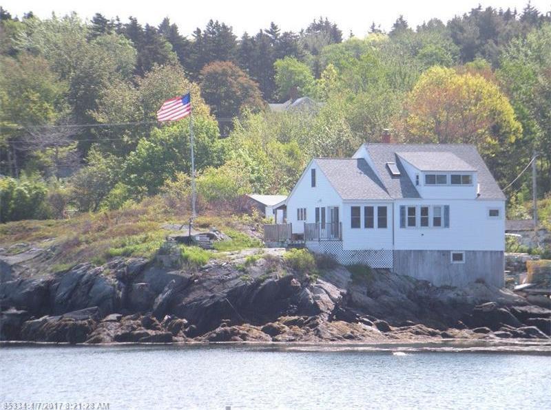 40 Vernon Ave, Long Island, Maine 04050