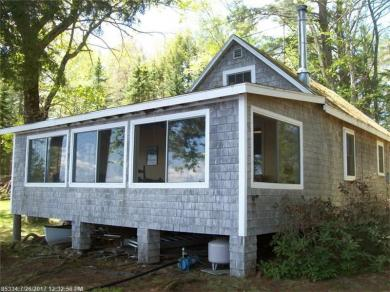 13 Hornpout Ln, Whitefield, Maine 04353