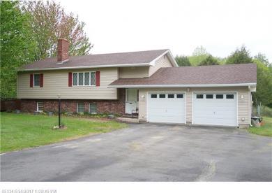 208 Pond Rd, Sidney, Maine 04330