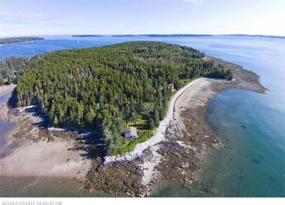 Photo of 186 Lopaus Point Rd, Tremont, Maine 04612