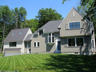 Photo of 2 Woodlawn Ave, Kennebunkport, Maine 04046