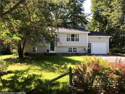 Photo of 35 Woodside Dr, Kennebunk, Maine 04043