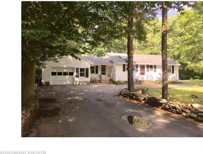 Photo of 9 Pinecrest Dr, Eliot, Maine 03903
