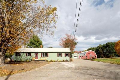 Photo of 51 Pleasant St, North Berwick, Maine 03906