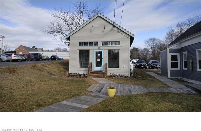 25 Bow St, Freeport, Maine 04032