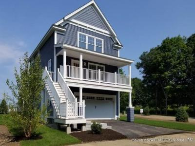Photo of 24 Landmark Hill Ln, Kittery, Maine 03904