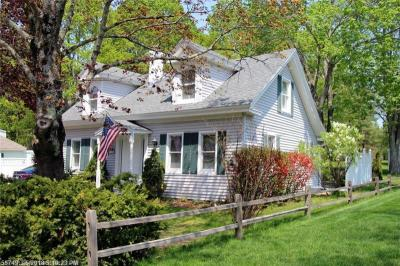 Photo of 95 Alfred Rd, Kennebunk, Maine 04043