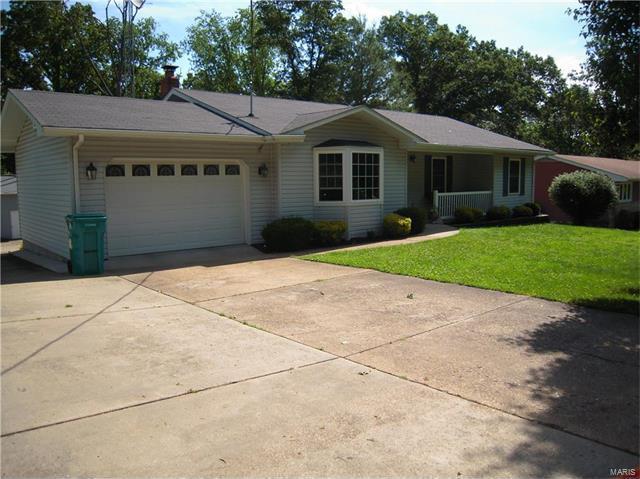 121 Robin Hill Drive, Steelville, MO 65565