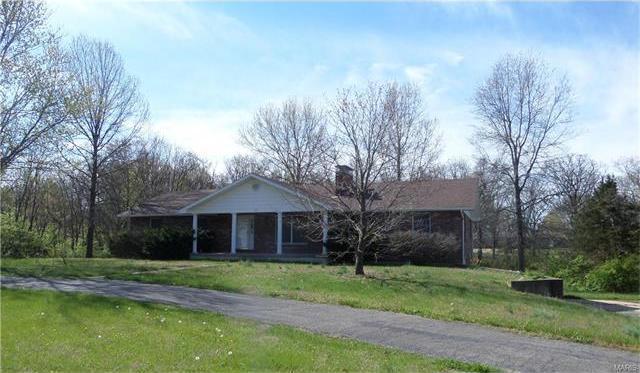 105 East Tenth Street, Dixon, MO 65459