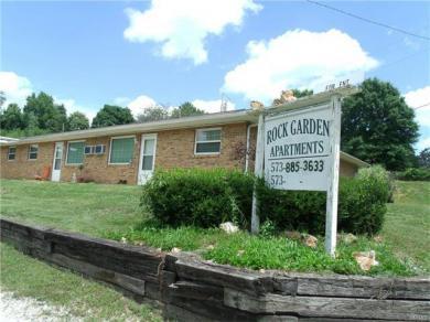307 Decker (high) Street, Steeleville, MO 65565