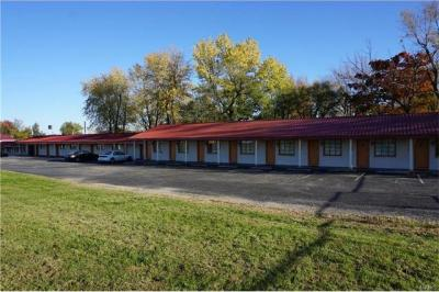 Photo of 777 Grover Street, St James, MO 65559