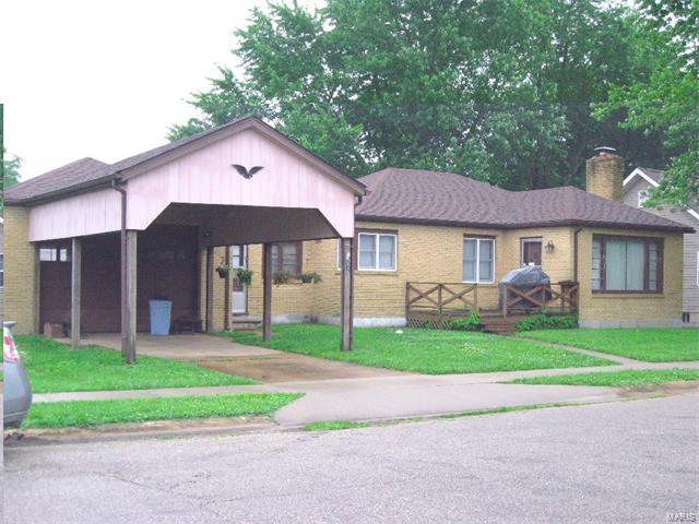 305 South Linn Avenue, Belle, MO 65013