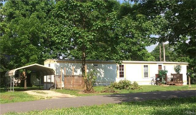 703 East Washington Avenue, Cuba, MO 65453