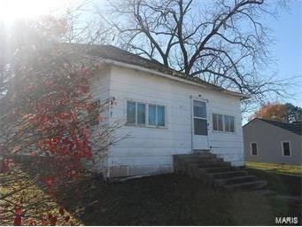 803 East Hawkins, Salem, MO 65560
