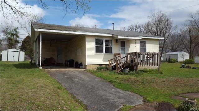 306 Camden Lane, Richland, MO 65556