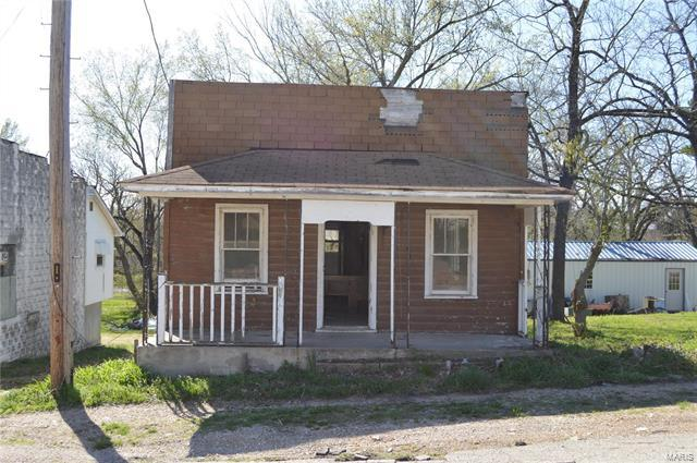 Center Street, Crocker, MO 65452