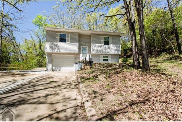 311 Summit Avenue, Waynesville, MO 65583