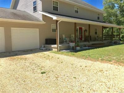 Photo of 124 Doe Valley Road, Steelville, MO 65565