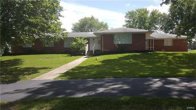 1216 Soest Rd, Rolla, MO 65401