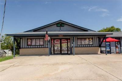 Photo of 948 Old Route 66, St Robert, MO 65584