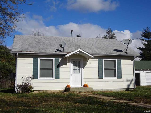 1404 West Franklin, Salem, MO 65560