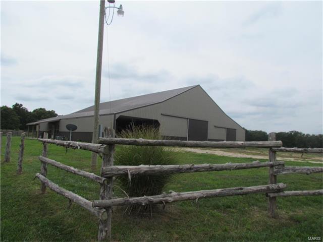 33 Rocky Road Lane, Steelville, MO 65565